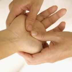 Handmassage gegen Kribbeln