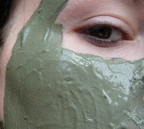 Maske gegen Pickel