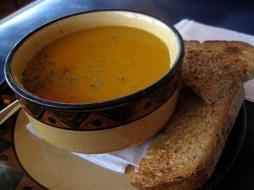 3 Suppen gegen Wassereinlagerungen
