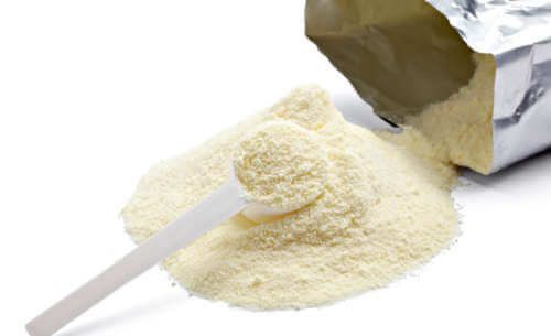 Milchpulver gegen dunkle Hautflecken