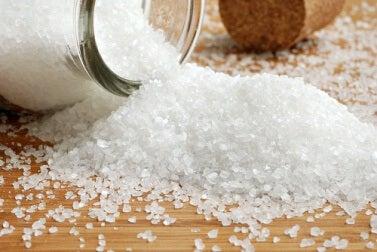 Salz gegen Wassereinlagerungen