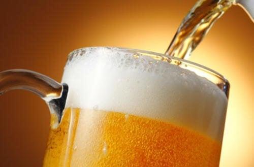 Macht Bier dick? Wie trinkt man es am besten?