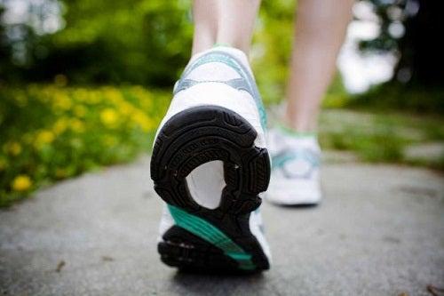Laufen, um Kalorien zu verbrennen