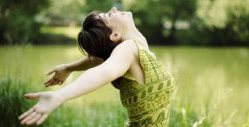 Körperhaltung zeigt Glück