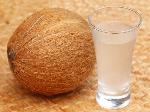 10 gesundheitsfördernde Eigenschaften des Kokoswassers
