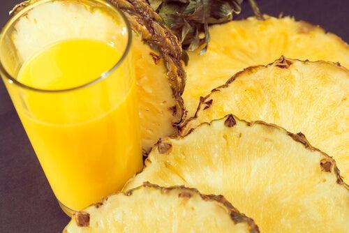 Mixgetränk-Ananas