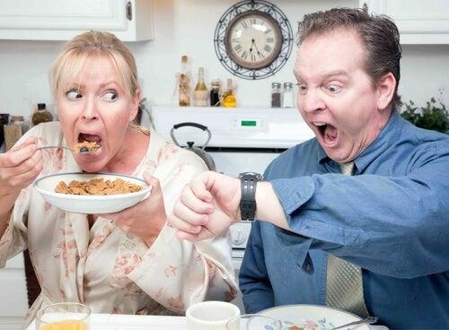 Verzicht auf Frühstück kann Gewichtszunahme fördern