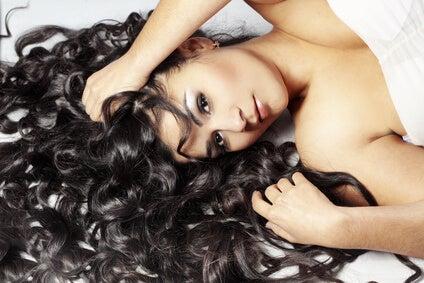 Gepflegtes Haar durch Leinsamen