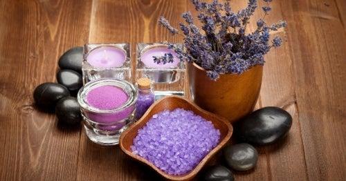 Lavendel gegen geschwollene Hände