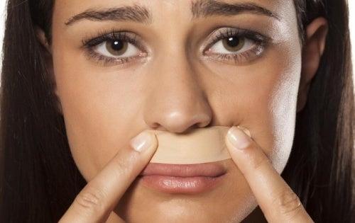 Lippenhaare und polyzystisches Ovar-Syndrom