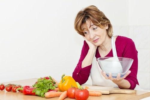 Grüne Nahrungsmittel essen während der Menopause