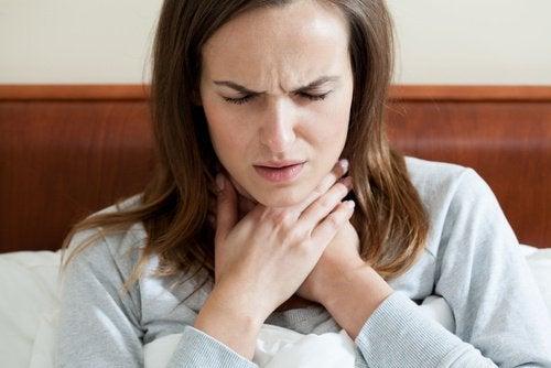 Wie man eine Mandelentzündung natürlich behandeln kann