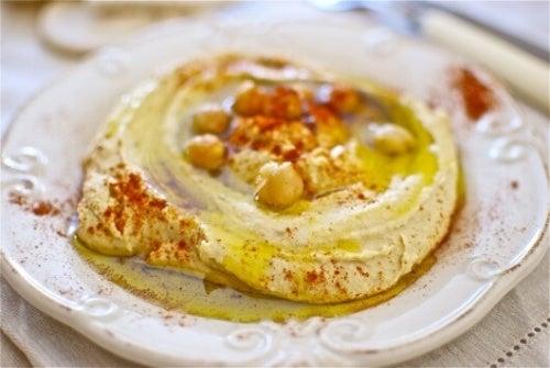 Hummus-Teller