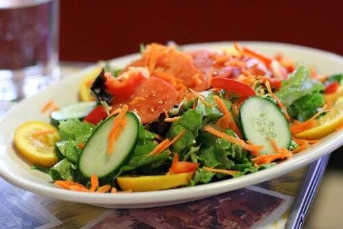 Salat_bunt