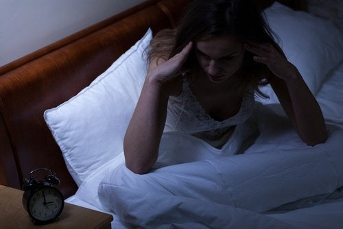 Schlafmangel kann der Haut schaden