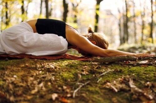 yoga-meditation-natur-entspannung