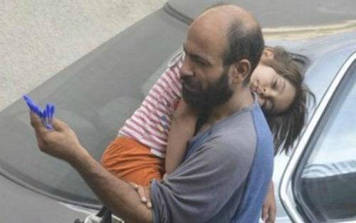 Der anonyme Verkäufer: 8 Kugelschreiber und eine hungrige Tochter