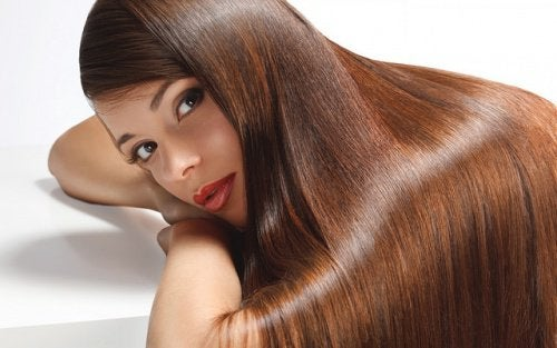 Glanzende haare mit zitrone