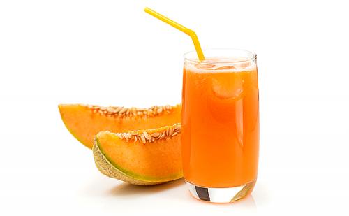 Melonensaft mit Karotten nach dem Sport