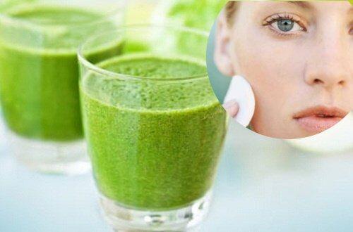 6 einfach zuzubereitende Mixgetränke für eine gesunde Haut