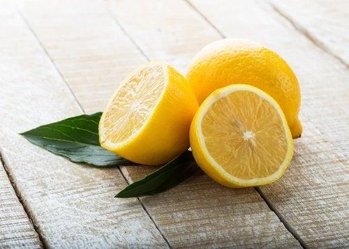 Zitrone für hellere Haare
