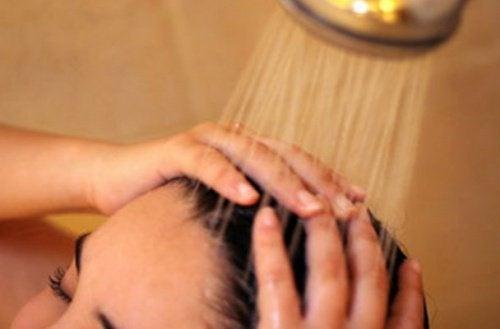 Die 8 besten Tricks für wunderschöne Haut und Haare