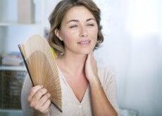 physiche-und-emotional-Symptome-der-vorzeitigen-Menopause-500x334