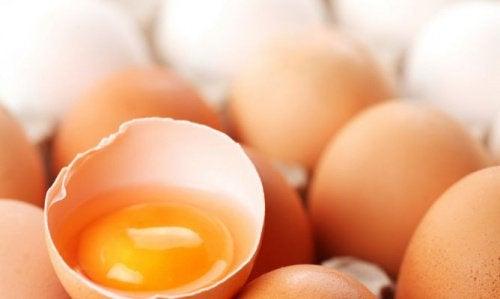 8 Schönheitsbehandlungen mit Ei für Haut und Haare