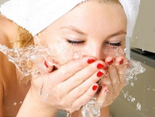 Gesichtwaschen