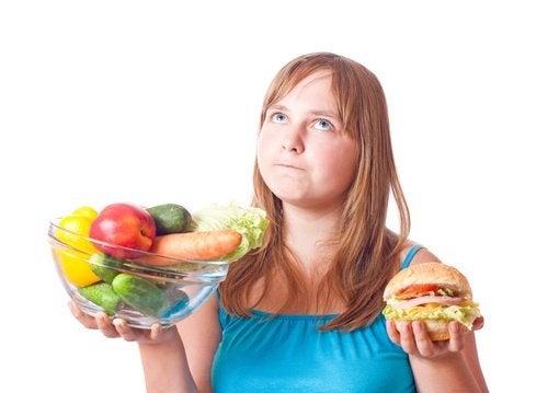 schlaffe Haut nach dem Abnehmen durch Ernährung verhindern