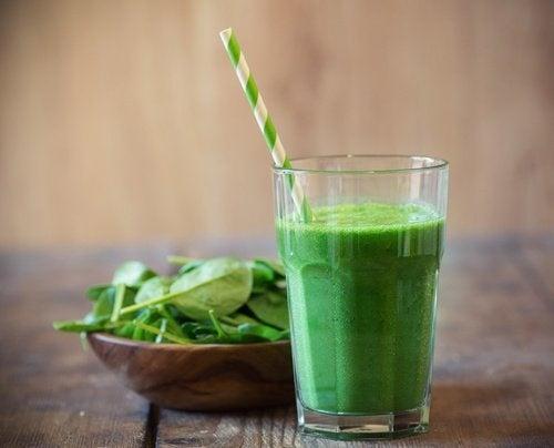 Grüner Smoothie gegen Müdigkeit
