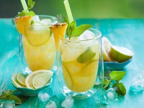 Zitronensaft fördert die Kalziumaufnahme