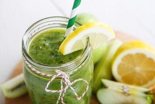 Shake mit Spinat und Zitrusfrüchten