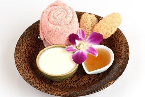 Gesichtsmaske aus Aspirin und Joghurt
