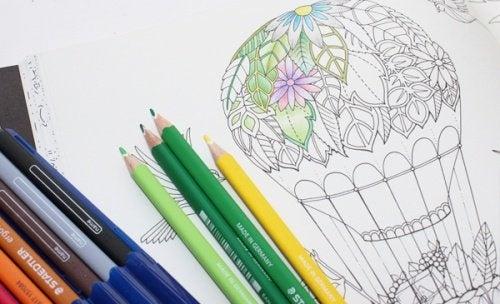 Malen hilft beim Entspannen und ist eine Therapie für Erwachsene