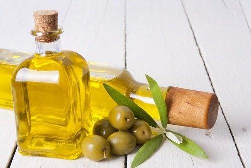 Pflegende Pflanzenöle für schöne Haare - Olivenöl