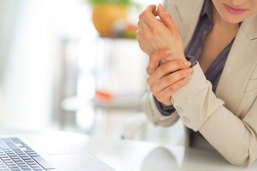 Warum schmerzen die Hände