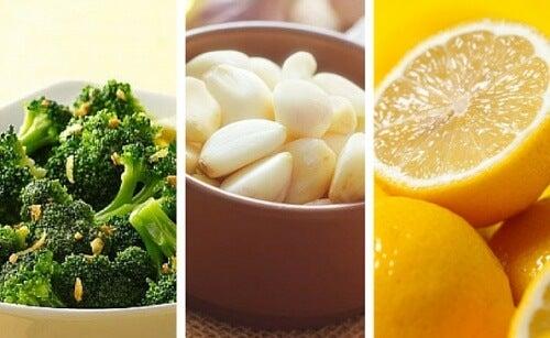 2 Rezepte mit Brokkoli, Zitrone und Knoblauch: gesund und lecker!
