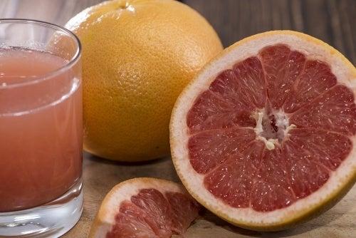 Ananassaft mit Grapefruit zur Gewichtsreduktion