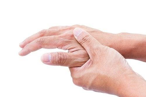 Schmerz in Händen durch Infektion mit Parasiten