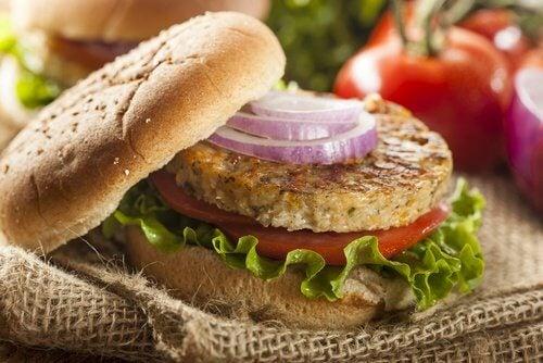 Wie sich aus Linsen und Quinoa gesunde Hamburger zubereiten lassen