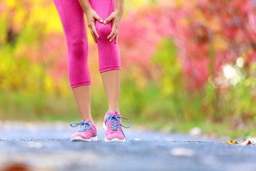 Knieschmerzen - Ursachen und Behandlungsmöglichkeiten