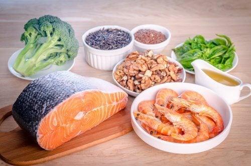 Lachs, Nüsse, Brokkoli und Meeresfrüchte für die Augen