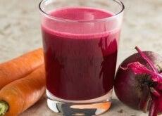 Rote-Beete-Karotten-Shake-zur-Blut-und-Leberreinigung