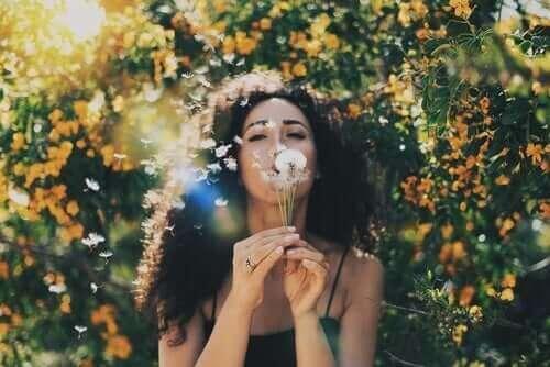 Lerne deinen Geist von negativen Gedanken zu befreien
