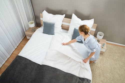 frisches Bett um Sommerhitze zu überstehen