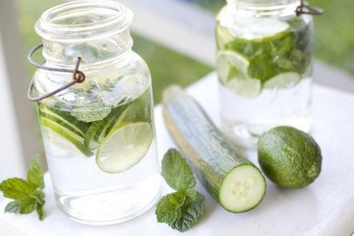 Gurkenwasser: lecker, gesund und erfrischend