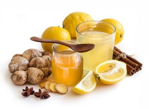 Ingwer, Zitrone und Honig gegen Halsweh