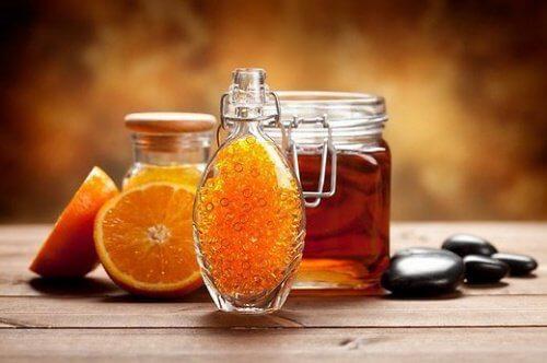Heilendes Frühstück: Orangen mit Honig