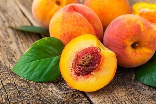 Pfirsich: die Frucht der ewigen Jugend